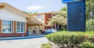 Rodeway Inn - Huntington