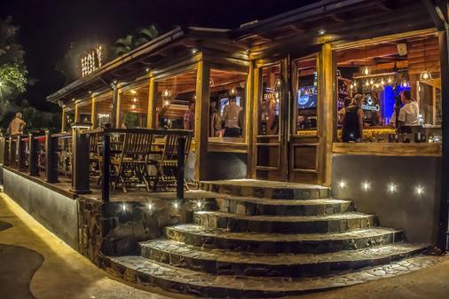 伊瓜蘇市中心潭果尹旅舍 - 伊瓜蘇 - 酒吧