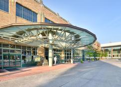 Crowne Plaza Indianapolis-Dwtn-Union Stn - Indianapolis - Building