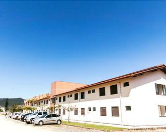 Pousada Divino Oleiro - Gov. Celso Ramos - Governador Celso Ramos - Edificio