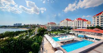 Qingdao Seaview Garden Hotel - Qingdao - Pool