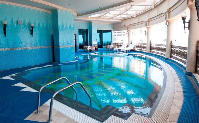 Retaj Al Rayyan Hotel - Doha - Pool
