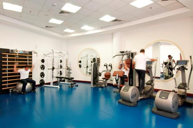 雷塔阿爾雷岩酒店 - 多哈 - 多哈 - 健身房