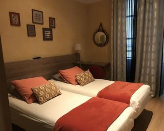 Hotel La Carpe D'or - Fontainebleau - Slaapkamer