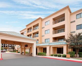 Courtyard by Marriott San Antonio Airport/North Star Mall - San Antonio - Building