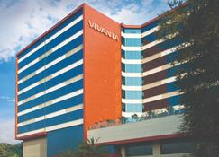 Vivanta Hyderabad, Begumpet - Hyderabad - Building