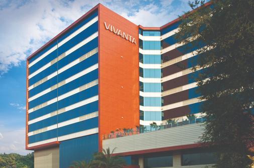 Vivanta Hyderabad, Begumpet - Hyderabad - Building