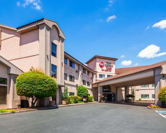 Best Western Plus Mill Creek Inn - Salem - Gebäude