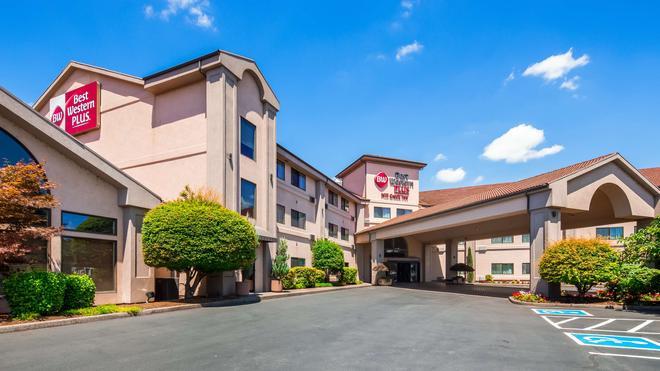 Best Western Plus Mill Creek Inn - Salem - Building