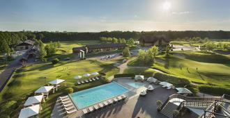 Superior Golf & Spa Resort - חארקיב - בריכה