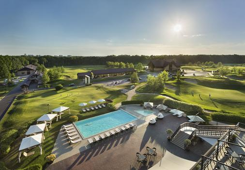 Superior Golf & Spa Resort - Kharkiv - Bể bơi