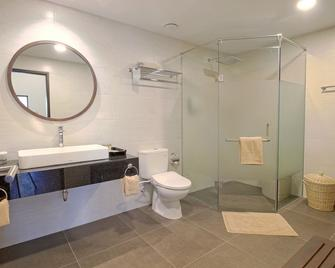 Mayang Sari Beach Resort - Lagoi - Bathroom