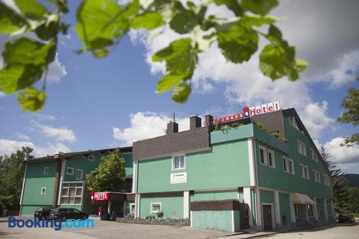 Hotel Restaurant Holzinger - Traiskirchen - Building