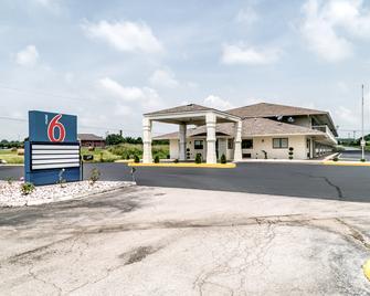 Motel 6 Berea, KY - Berea - Gebouw