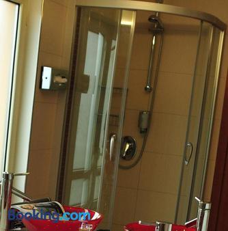 Hotel Santo - Karlsruhe - Bathroom
