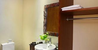 Pandawa All Suite Hotel - North Kuta - Bathroom