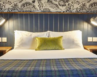 Swan Hotel By Greene King Inns - Alton - Bedroom