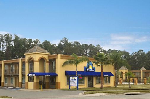 Days Inn by Wyndham Brunswick/St. Simons Area - Brunswick - Toà nhà