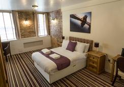 Resolution Hotel - Whitby - Bedroom