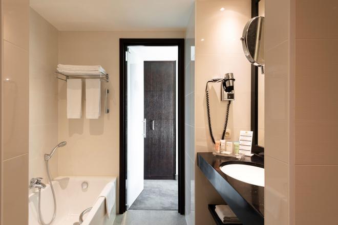 Grand Hotel Casselbergh Bruges - Bruges - Bathroom