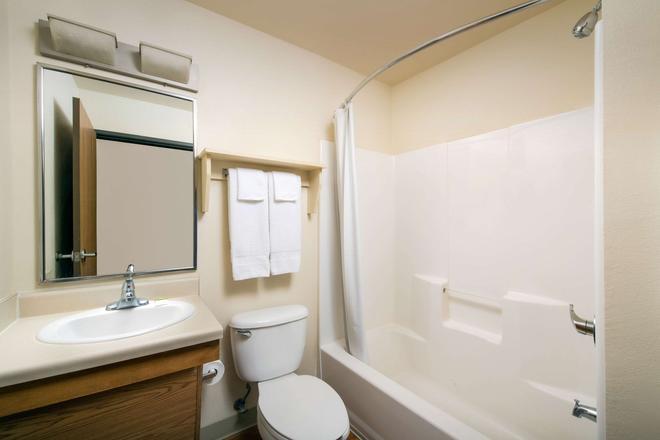 Woodspring Suites Phoenix I-10 West - Phoenix - Bathroom