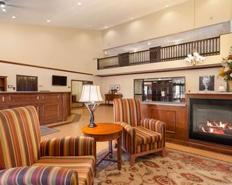 Country Inn & Suites by Radisson Coon Rapids, MN - Coon Rapids - Lobby