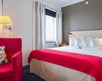Hotel Bishops Arms Strängnäs - Strängnäs - Schlafzimmer