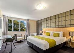 Quality Hotel Elms - Christchurch - Bedroom