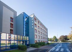 Hotel Arnost Garni - Pardubice - Gebäude