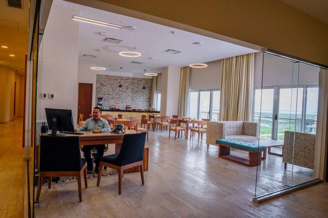 坎昆克里斯塔爾城市酒店 - 坎昆 - Cancun/坎康 - 酒吧