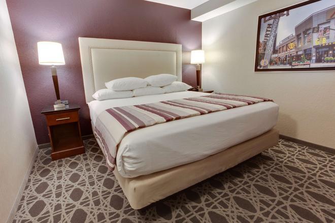東路易維爾德魯里套房酒店 - 路易斯維爾 - 路易斯維爾(肯塔基州) - 臥室