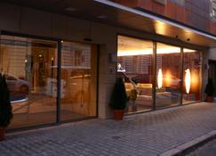 Hotel Avance - Bratislava - Building