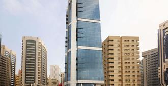 Ramada by Wyndham Abu Dhabi Corniche - Abu Dhabi - Bygning