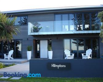 The Hamptons - Kaikoura - Building