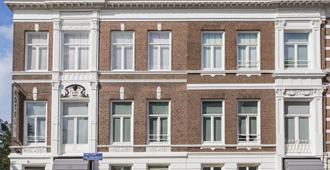 Stadsvilla Hotel Mozaic Den Haag - האג - בניין