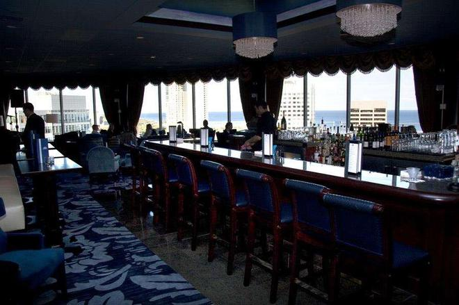 The Pfister Hotel - Milwaukee - Bar