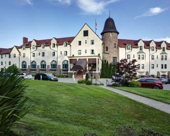 Digby Pines Golf Resort & Spa - Digby - Building