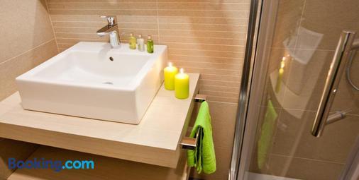 Hotel Astoria Bled - Bled - Bathroom