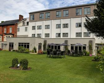 Best Western Plus Manchester Airport Wilmslow Pinewood Hotel - Wilmslow - Edificio