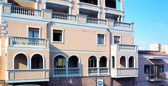Colonna Palace Hotel Mediterraneo - Olbia - Edificio