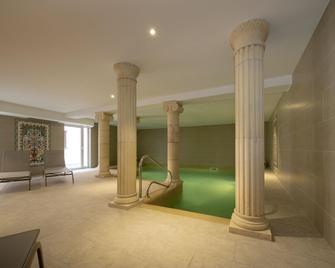 Hotel Majestic Alsace - Niederbronn-les-Bains - Pool