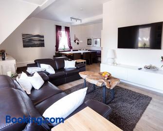 Glockenstuhl @Conny's - Brilon - Living room