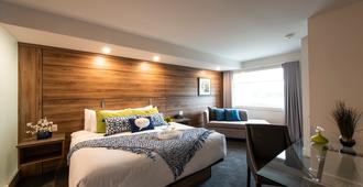 Living Stone Golf Resort - Collingwood - Bedroom