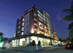 โรงแรมเมย์ฟลาวเวอร์ แกรนด์ เชียงใหม่ - เชียงใหม่ - อาคาร