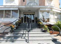 Hotel Escorial - Cervia - Building