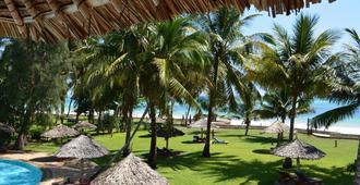 Neptune Palm Beach Boutique Resort & Spa - Ukunda - Outdoors view