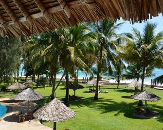 Neptune Palm Beach Boutique Resort & Spa - Ukunda - Outdoor view