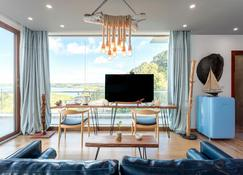 Beluu Sea View Resort - Meyungs - Гостиная