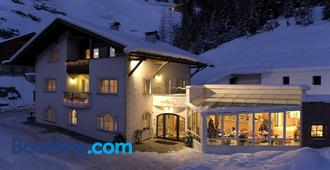B&B Appartments Cudlea - Selva di Val Gardena - Building