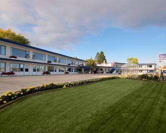 Americas Best Value Port Polson Inn - Polson - Gebäude